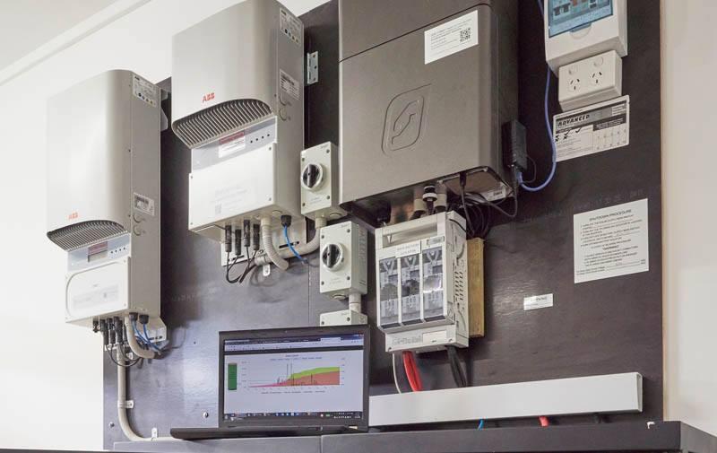 Empowered Offgrid hybrid solar system